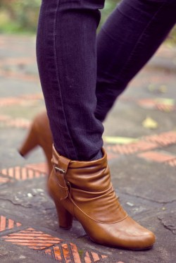 black jeans brown booties by 14 shades of grey