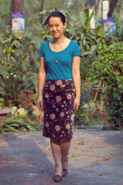 teal t-shirt floral pencil skirt heeled loafers by 14 shades of grey