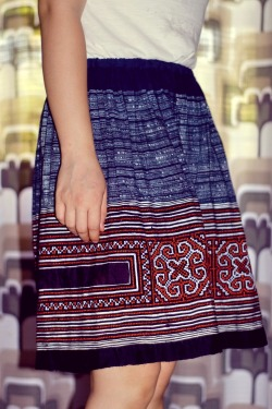 white t-shirt sapa skirt by 14 shades of grey