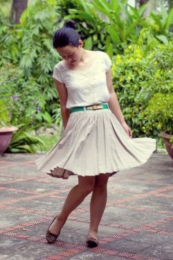 white t-shirt khaki skirt green belt leopard print flats by 14 shades of grey