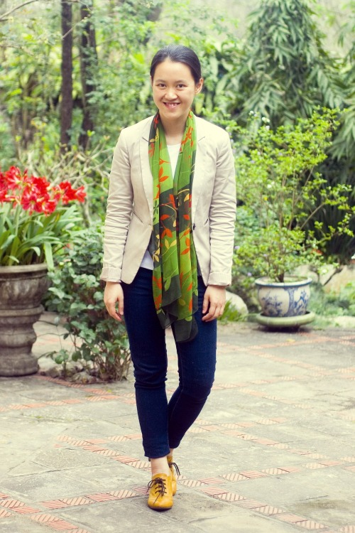 tan blazer blue jeans heeled oxfords floral green scarf by 14 shades of grey