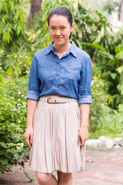 polka dot chambray shirt khaki skirt by 14 shades of grey