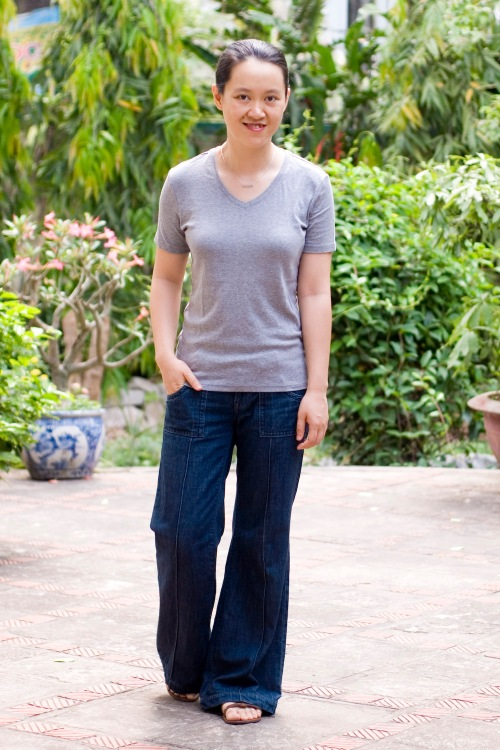 gray tee navy wide leg jeans flat sandals by 14 shades of grey