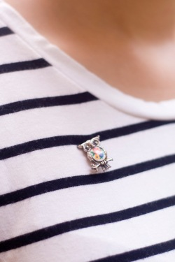 striped tee owl brooch by 14 shades of grey