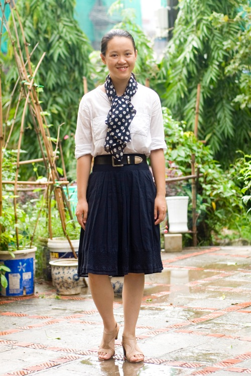 white shirt polka dot scarf navy skirt beige sandals by 14 shades of grey